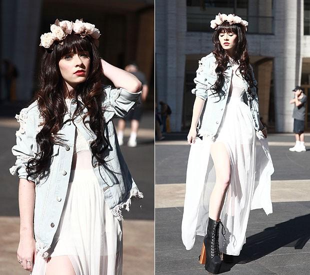 "Rachel Iwanszyn, bloggueira de moda: ""Adoro a coroa de flores porque com ela consigo um estilo único, inspirado nos festivais de música"""" (Foto: Tiago Chediak / Marie Claire Online)"