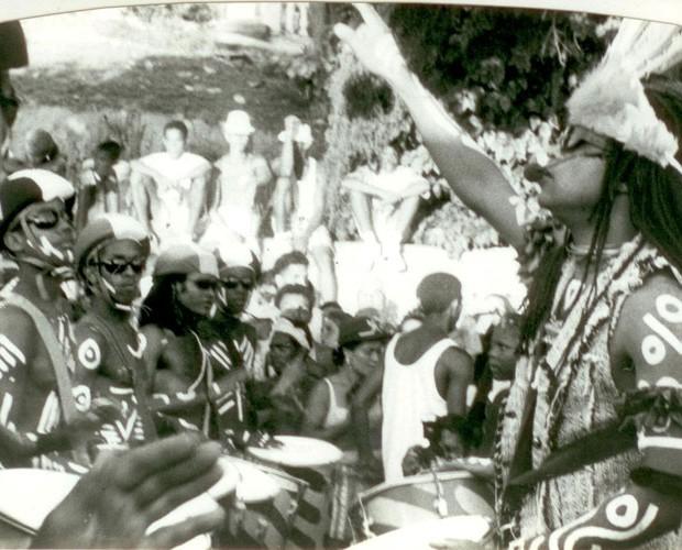 O baiano à frente da Timbalada, grupo criado por ele (Foto: Arquivo pessoal)