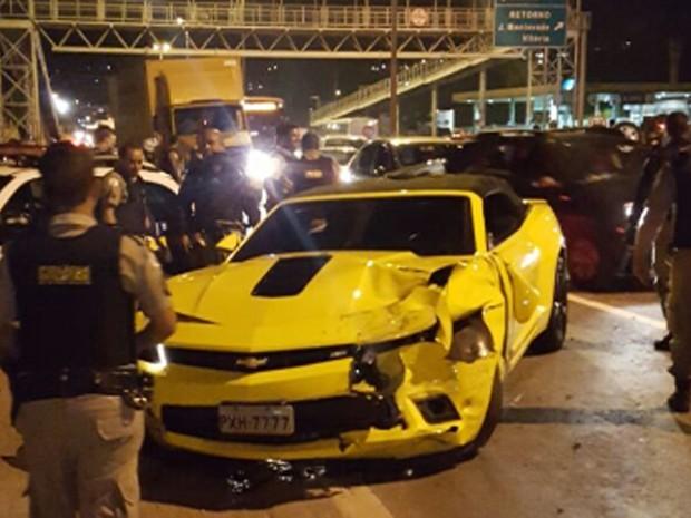 Camaro amarelo foi roubado na Região Nordeste de Belo Horizonte. (Foto: Polícia Militar / Divulgação)