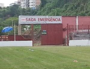 saida de emergencia fariao guarani-mg (Foto: Marina Alves)