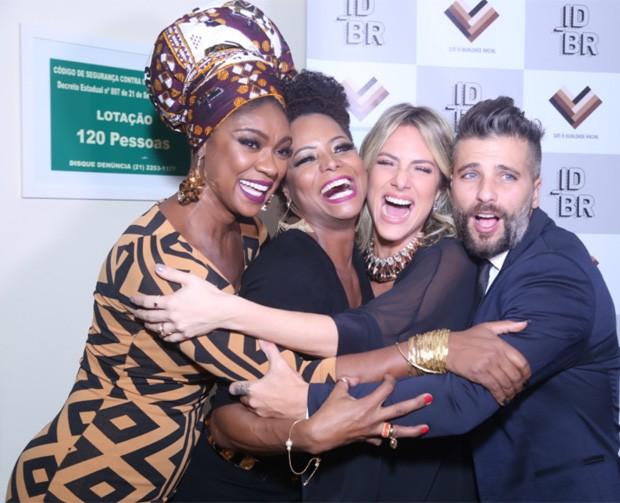 Cris Vianna, Adriana Bombom, Giovanna Ewbank e Bruno Gagliasso (Foto: Anderson Borde/AgNews)