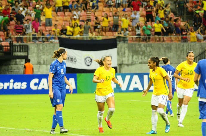 Brasil e Itália Arena da Amazônia futebol feminino (Foto: Mauro Neto/Sejel)