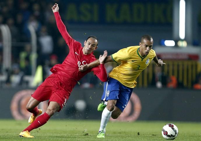 Brasil x Turquia - Miranda (Foto: EFE)