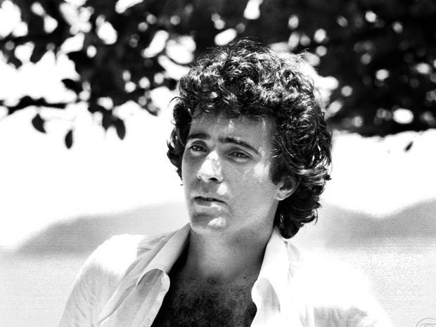 ANDRÉ CAJARANA (Tony Ramos)