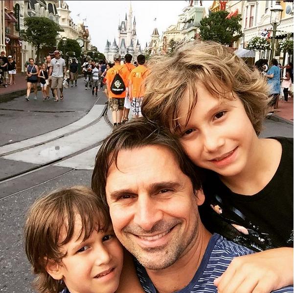 Murilo Rosa com os filhos (Foto: Reprodução/Instagram)