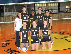 Equipe de vôlei Infanto Juvenil do Praia Clube (Foto: Divulgação/Praia Clube)
