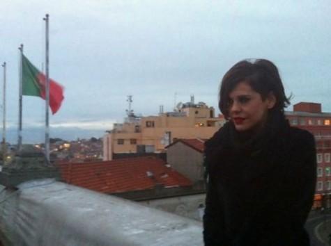 (Foto: Bárbara Paz vai a Porto, em Portugal, com a peça 'Hell'/ Foto: Divulgação)