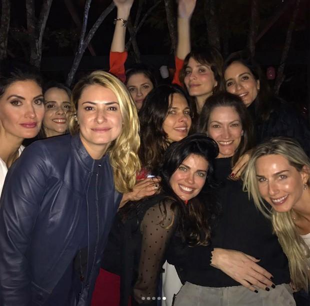 Isabella Fiorentino e Fernanda Motta recebem famosos em festa de aniversário dupla (Foto: Reprodução/Instagram)