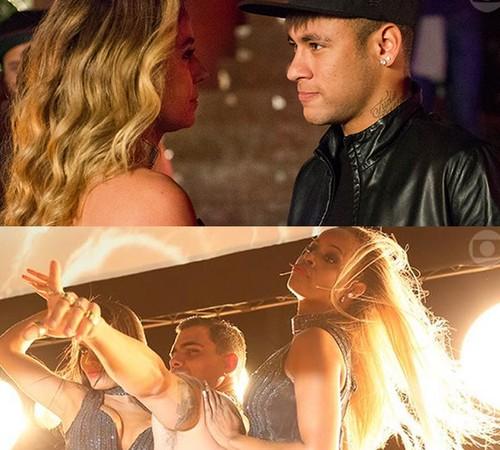 A Regra do Jogo - primeiro capítulo de novela teve participação de Neymar, que foi cantado pela vila da historia, Atena (Giovanna Antonelli) (Foto: Reprodução TV Globo)