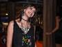 Agatha Moreira curte folia baiana antes de desfilar como musa no Rio
