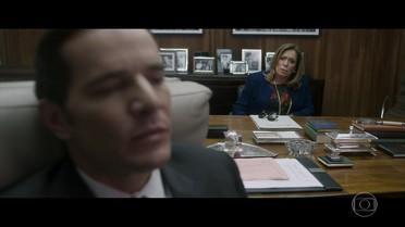 Cora tenta aconselhar Vitor sobre Ive