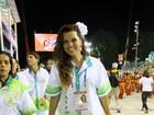 Toda vestida na folia, Renata Santos dispara: 'Doida para arrancar a roupa'