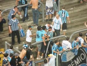 briga arena geral grêmio (Foto: Hector Werlang/Globoesporte.com)