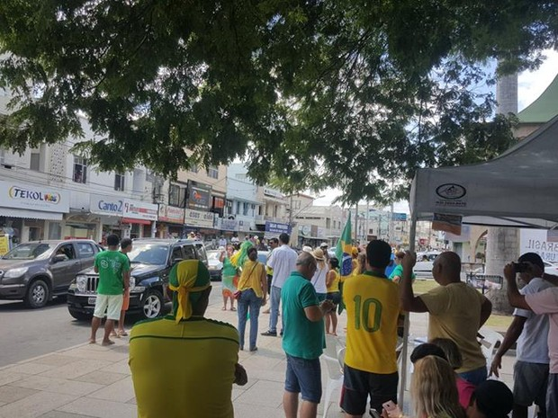 Protesto contra Dilma, em Nova Venécia, Norte do Espírito Santo, neste domingo (13) (Foto: Raquel Lopes/ A Gazeta)