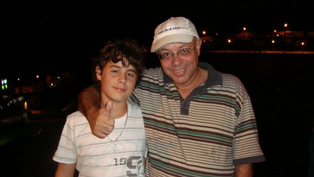 Francisco Rezende com o filho Matheus no Barradão (Foto: Gabriel Hamilko / GloboEsporte.com)
