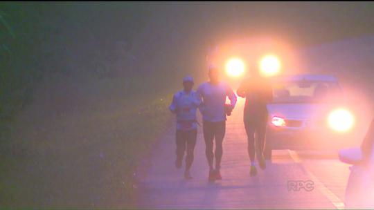 Ultramaratona desafia corredores por 105 km na Serra do Mar paranaense