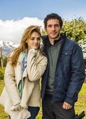 Júlia (Isabelle Drummond) e Felipe (Michel Noher), personagens de Sete Vidas (Foto: João Miguel JR./Globo)