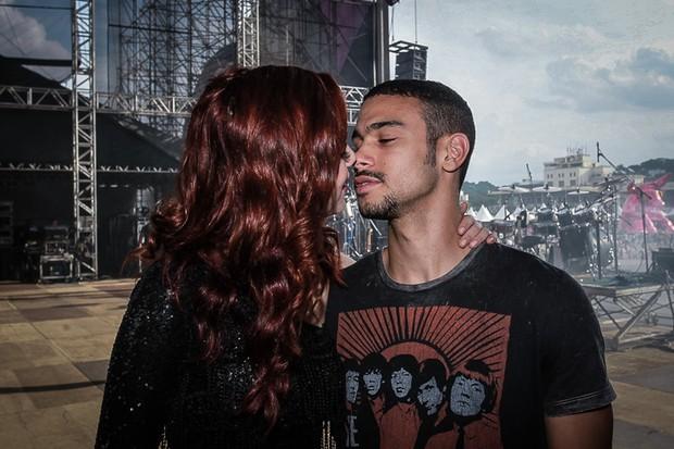 Sophia Abrahão  e Sergio Malheiros no festival Brahma Valley (Foto: Raphael Castello/AgNews)