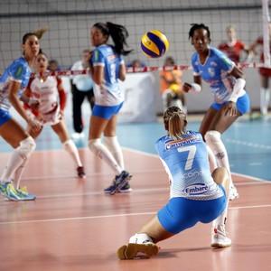 Vôlei feminino entra em quadra contra o Brasília (Foto: Orlando Bento/Minas Tênis Clube)