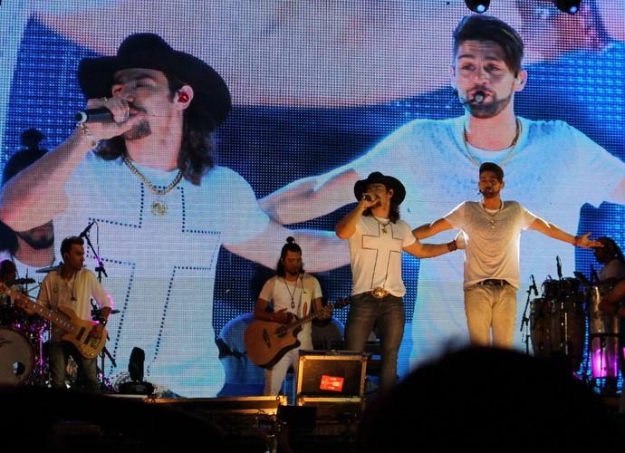 SHOW DE VERÃO 2015 - Munhoz e Mariano no início da apresentação (Foto: Maria Caroline Palieraqui/Gshow)