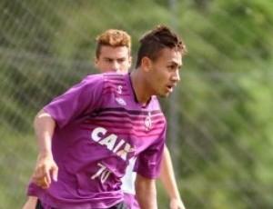 Gustavo Marmentini, meia-atacante do Atlético-PR, na Arena (Foto: Site oficial do Atlético-PR/Divulgação)