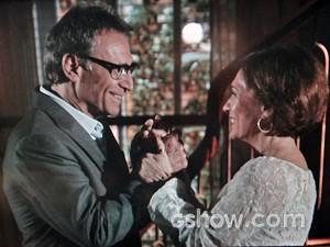 Chica recebe Ricardo em sua casa (Foto: Em Família/ TV Globo)
