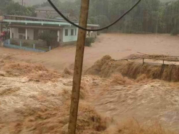 Chuva forte alaga Iconha, no Sul do ES (Foto: Leticia Justi)