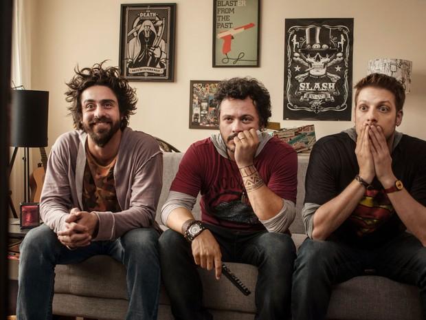 A partir da esquerda: Felipe Abib, Danton Mello e Fábio Porchat em cena de 'Vai que dá certo 2' (Foto: Divulgação)