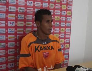 Válber, meia-atacante do CRB (Foto: Caio Lorena / GloboEsporte.com)