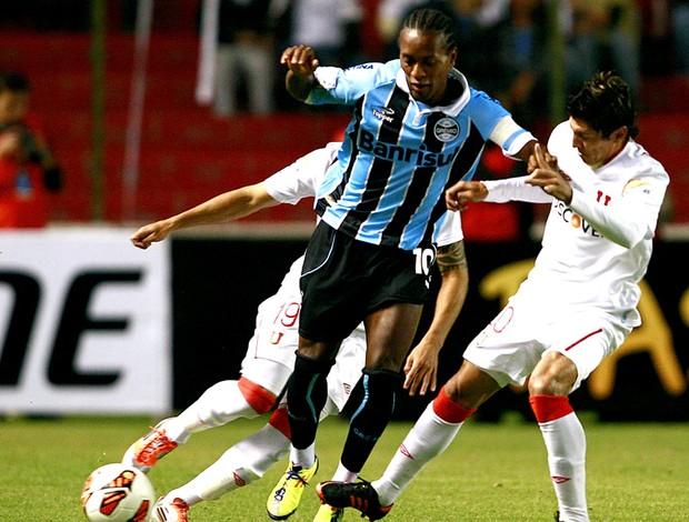 Zé Roberto na partida do Grêmio contra a LDU Libertadores (Foto: EFE)