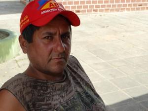 Luís Gonçalves, morador de Belém de Maria (Foto: Paula Cavalcante/ G1)