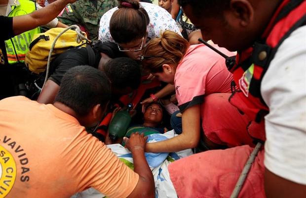 Número de mortos chega a 272 e de feridos a 2.068 após terremoto no Equador