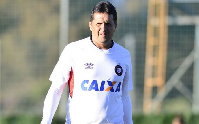 Claudinei Oliveira Atlético-PR (Foto: Gustavo Oliveira/ Site oficial Atlético-PR)