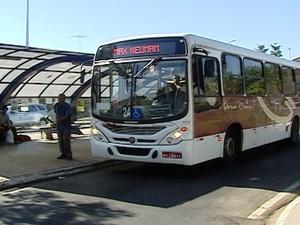 Empresa de ônibus de Áraxa  (Foto: Reprodução/ TV Integração)