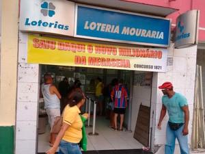Lotérica onde milionário fez aposta fica no bairro de Nazaré, em Salvador (Foto: Alan Tiago Alves/G1)