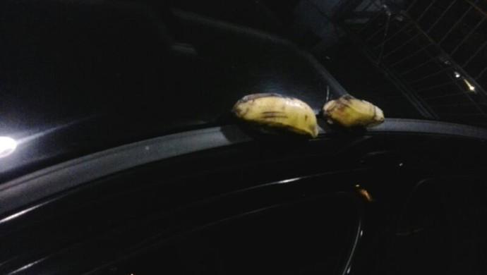 Árbitro fotografou bananas em seu carro e anexou imagens à súmula do jogo (Foto: Márcio Chagas da Silva/Arquivo Pessoal)