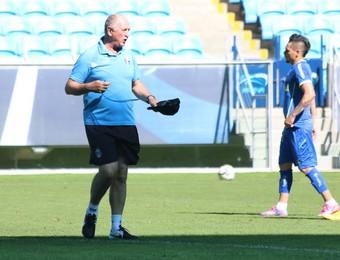 Felipão só mostrou a parte final do treino (Foto: Eduardo Deconto/GloboEsporte.com)