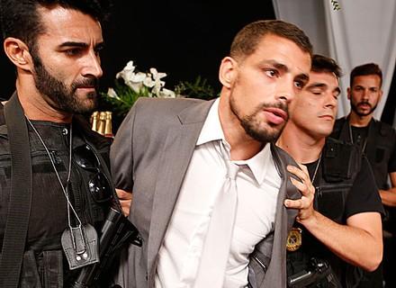 Juliano é preso após espancar Romero