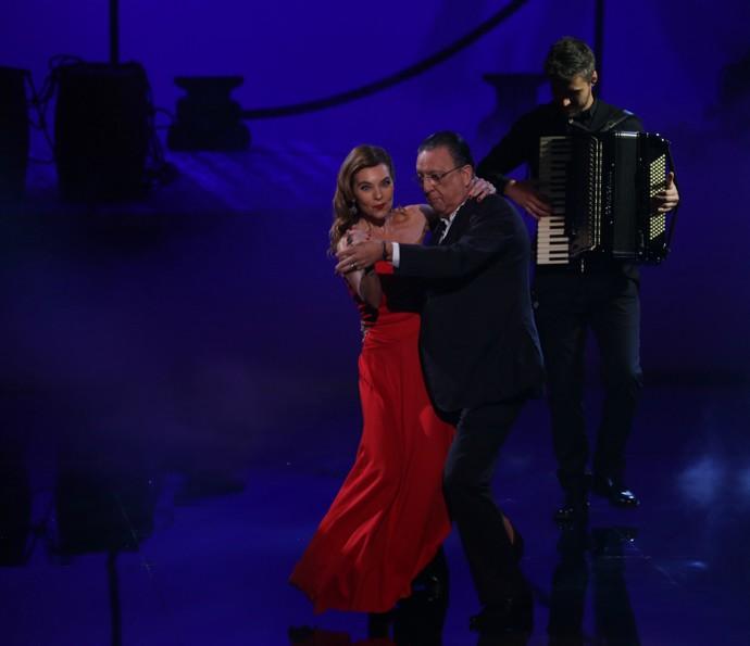 Galvão dança com esposa no Adnight (Foto: Isabella Pinheiro/Gshow)
