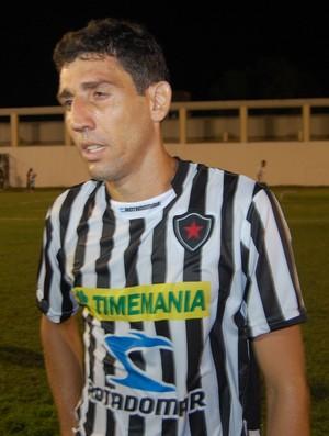 Edgar, atacante do Botafogo-PB (Foto: Lucas Barros / Globoesporte.com/pb)