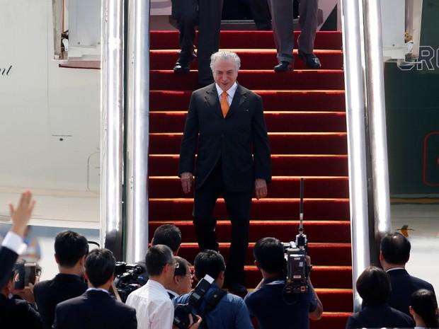 Presidente Michel Temer desembarca no aeroporto de Hangzhou antes de cúpula do G20, na sexta (2) (Foto: REUTERS/Aly Song)