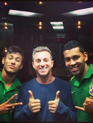 Neymar, André Santos, Luciano Huck (Foto: Reprodução / Instagram)