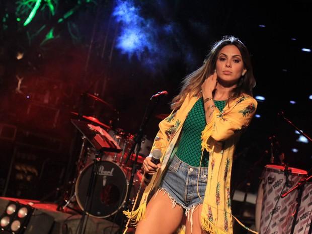 Alinne Rosa em show em Salvador, na Bahia (Foto: Sércio Freitas/ Ag. Sércio Freitas/ Divulgação)