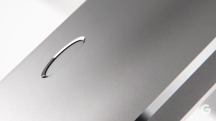 Nexus 6P possui corpo metálico com sensor de impressões digitais traseiro (Foto: Reprodução/Elson de Souza)
