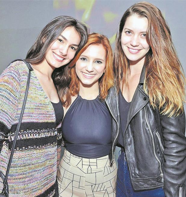 Marina Moschen, Lorena Comparato e Nathalia Dill na estreia de 'Agosto' (Foto: Cristina Granato)