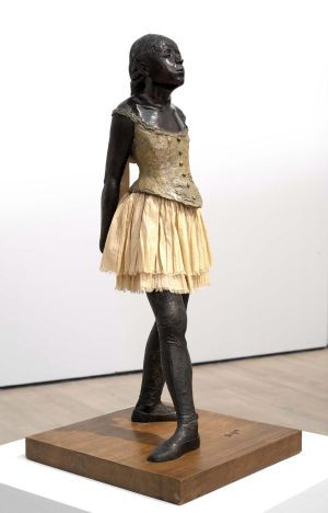 Foto (Foto: Estatuetas de Degas mostram seu olhar para as quebras de estrutura e de linguagem / Reprodução)