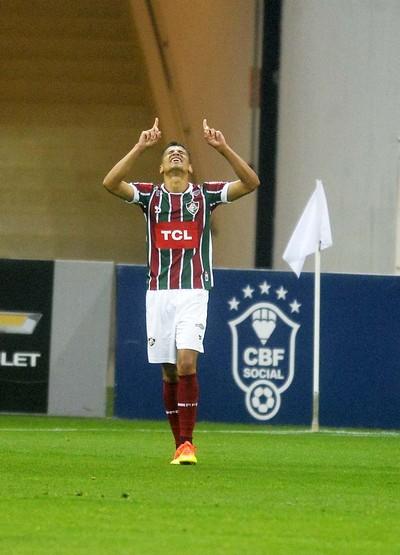 Cícero comemora gol Corinthians x Fluminense (Foto: Marcos Ribolli/GloboEsporte.com)