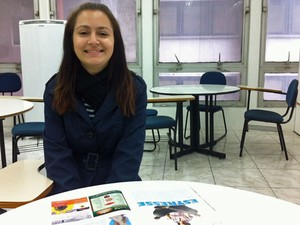 Liliane Aparecida Sousa, de 19 anos, quer estudar jornalismo (Foto: Vanessa Fajardo/ G1)