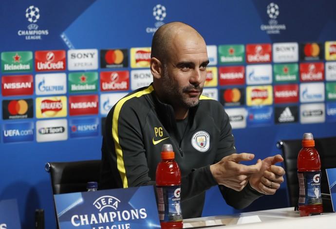 Guardiola na entrevista coletiva do Manchester City para a Liga dos Campeões (Foto: Reuters / Lee Smith)