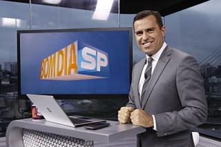 Rodrigo Bocardi posa nos bastidores da apresentação do Bom Dia SP (Foto: Celso Tavares/EGO)